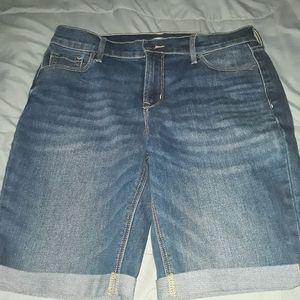 NWOT Old Navy Bermuda shorts